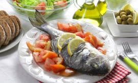 Mediterranean Diet May Protect Against Breast Cancer Too